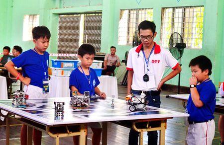 Hon 200 thi sinh tham gia ngay hoi Robothon 2016 tai Da Nang - Anh 2