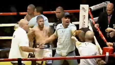 Boxing: Knock-out tro, cau tiet tan luon thay - Anh 4