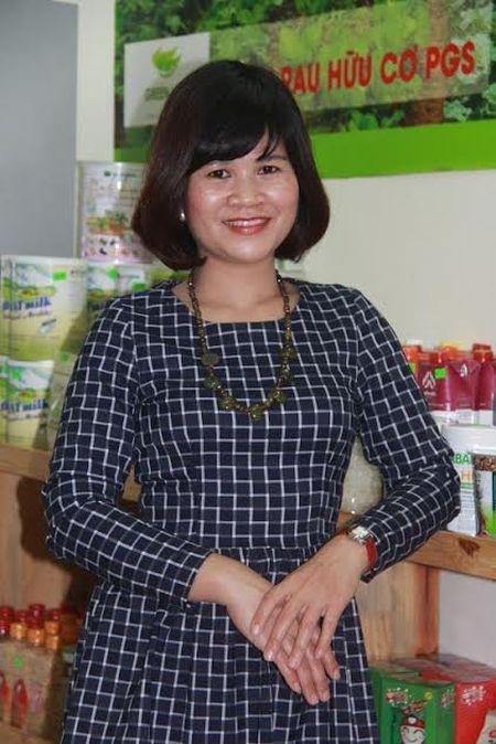 Khoi nghiep tu 100 trieu dong, ba chu cua hang rau sach thu 400 trieu dong/thang - Anh 1