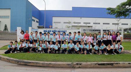 700 hoc sinh tieu hoc tham quan thuc te nha may Suntory PepsiCo Viet Nam - Anh 1