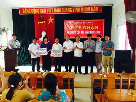 Doanh nghiep Thanh Hoa ung ho bao lut hon 700 trieu dong - Anh 3