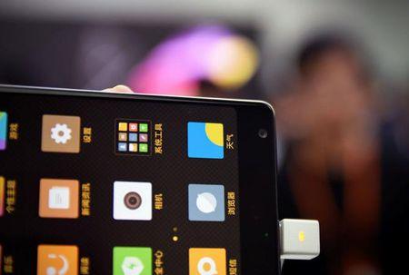 Cham vuot Xiaomi Mi MIX - smartphone khong vien cuc sexy - Anh 4