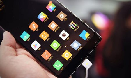 Cham vuot Xiaomi Mi MIX - smartphone khong vien cuc sexy - Anh 6