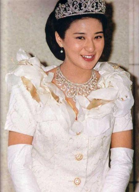 Noi sau nhung lua cua nang Cong nuong xinh dep Nhat Ban - Anh 4