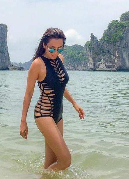 Trang phuc ton duong cong cua MC Ky Duyen o tuoi 50 - Anh 8