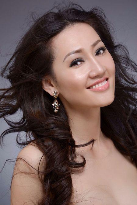 Tracy Hang Nguyen - nhan sac goc Viet dac biet nhat tai Mrs. World 2016 - Anh 3