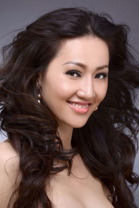 Tracy Hang Nguyen - nhan sac goc Viet dac biet nhat tai Mrs. World 2016 - Anh 4