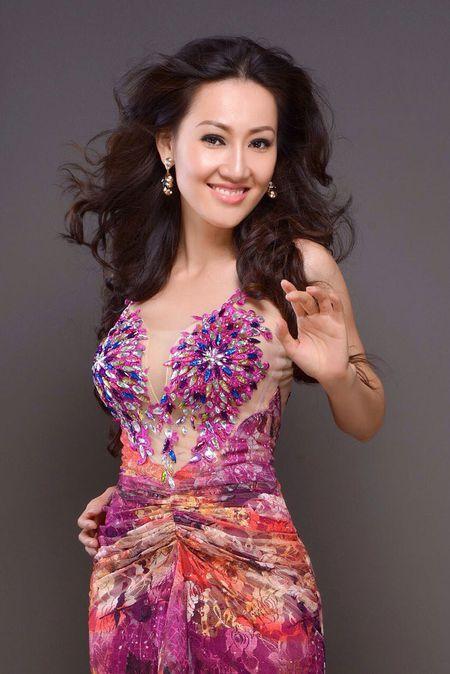 Tracy Hang Nguyen - nhan sac goc Viet dac biet nhat tai Mrs. World 2016 - Anh 6