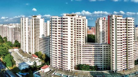 Binh on gia nha, bai hoc tu Singapore va Hong Kong - Anh 1