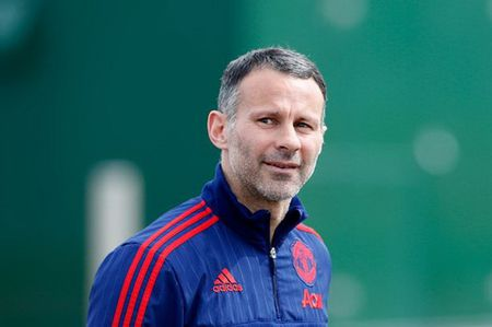 MK Dons tha thiet moi chao Ryan Giggs - Anh 2