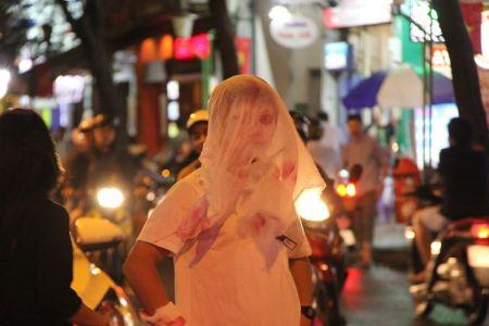 Ngay Halloween: Coi chung bo via, mat na 'ma quai' dinh chat gay ung thu - Anh 1