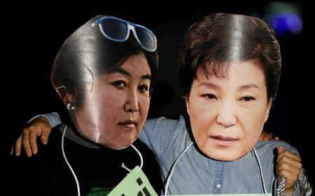 Be boi 'mot khong hai' tren chinh truong Han Quoc: Loi thoat nao cho Chinh phu Park Geun-hye? - Anh 1