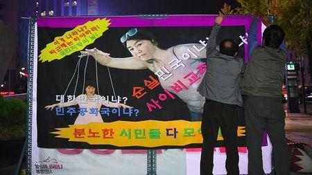 Be boi 'mot khong hai' tren chinh truong Han Quoc: Loi thoat nao cho Chinh phu Park Geun-hye? - Anh 3