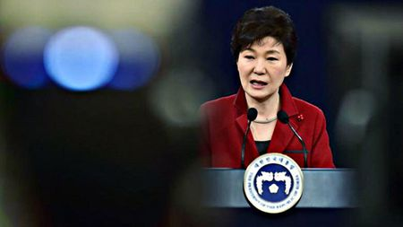 Be boi 'mot khong hai' tren chinh truong Han Quoc: Loi thoat nao cho Chinh phu Park Geun-hye? - Anh 4