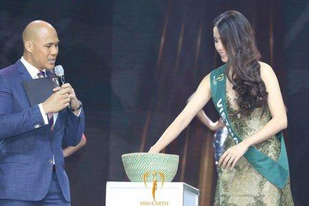 Vi sao Nam Em truot top 4 Hoa hau Trai dat? - Anh 2