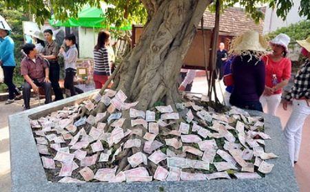 Le hoi truyen thong: Phuc vu du khach hay cong dong? - Anh 1