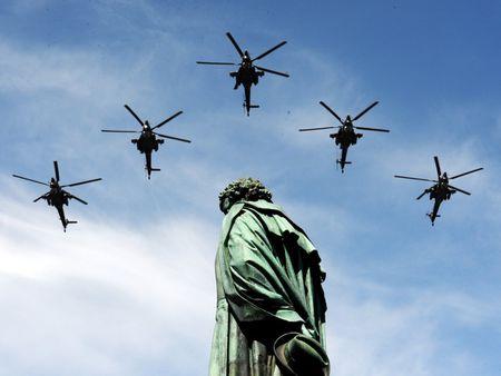 Nhung vu khi Nga khien NATO de chung - Anh 10