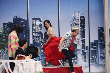 Thanh Duy om Truong Giang bat khoc nhu mua trong game show - Anh 7