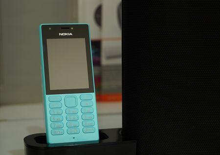 Mo hop 'cuc gach' Nokia 216 co camera selfie vua ban o VN - Anh 10