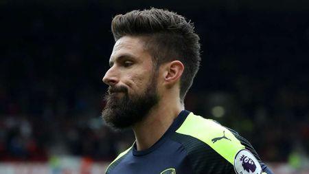 Arsenal thong tri doi hinh tieu bieu Ngoai hang Anh vong 10 - Anh 12