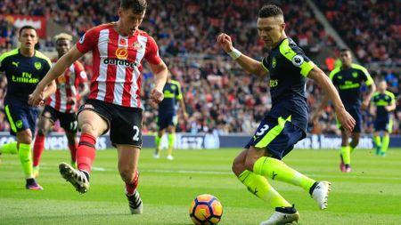 Arsenal thong tri doi hinh tieu bieu Ngoai hang Anh vong 10 - Anh 6