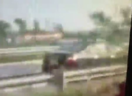 O to phong hon 100km/h nguoc chieu tren cao toc Noi Bai -Lao Cai - Anh 1