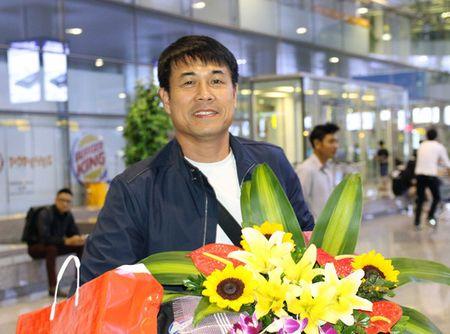 Chum anh: DT Viet Nam ve nuoc sau chuyen tap huan Han Quoc - Anh 1