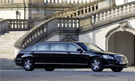 Sieu xe chong dan cua Tong thong Putin rao ban gia 'khung' - Anh 6