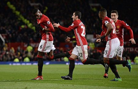 Chum anh: Man Utd nhoc nhan vuot qua Middlesbrough o nhung phut cuoi - Anh 10