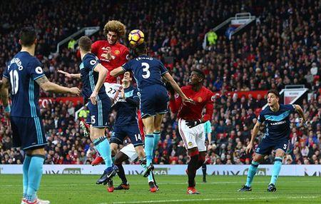 Chum anh: Man Utd nhoc nhan vuot qua Middlesbrough o nhung phut cuoi - Anh 1