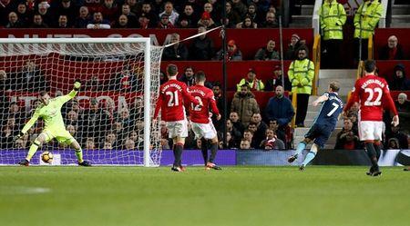 Chum anh: Man Utd nhoc nhan vuot qua Middlesbrough o nhung phut cuoi - Anh 6