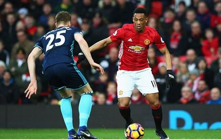 Chum anh: Man Utd nhoc nhan vuot qua Middlesbrough o nhung phut cuoi - Anh 7