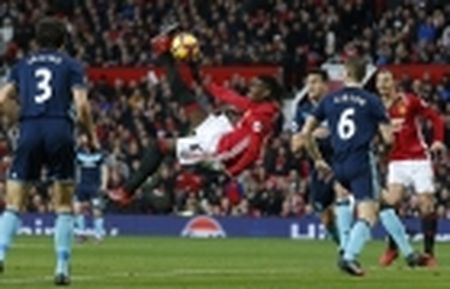 Mourinho he lo ly do de Mkhitaryan da... hau ve trai - Anh 3