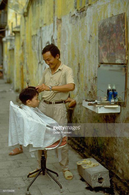 Boi hoi ngam anh than thuong ve Ha Noi nhung nam 1990 - Anh 1