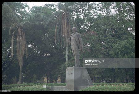 Boi hoi ngam anh than thuong ve Ha Noi nhung nam 1990 - Anh 4