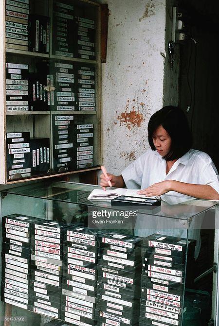 Boi hoi ngam anh than thuong ve Ha Noi nhung nam 1990 - Anh 5