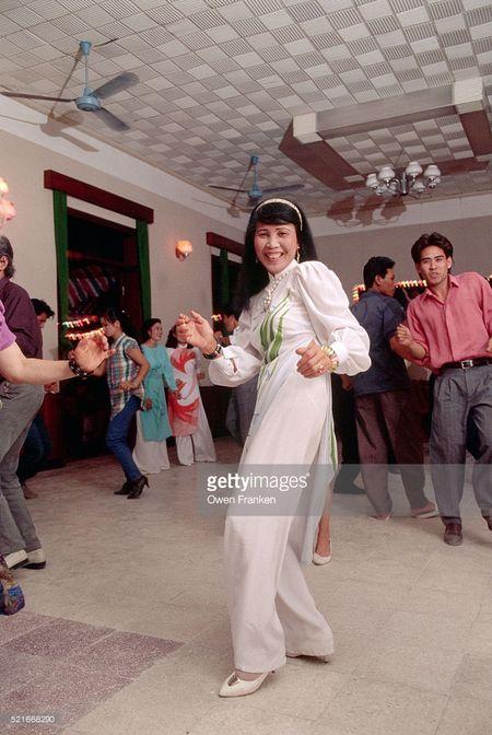 Boi hoi ngam anh than thuong ve Ha Noi nhung nam 1990 - Anh 7