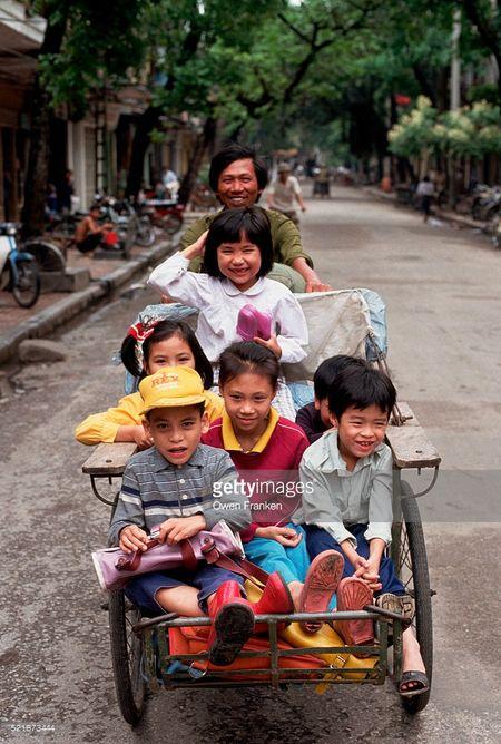 Boi hoi ngam anh than thuong ve Ha Noi nhung nam 1990 - Anh 8