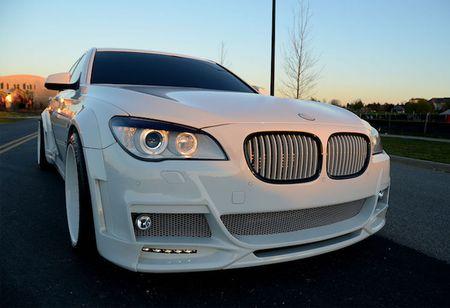 BMW 750Li do 'trang tinh khoi' cuc doc gia 1,24 ty - Anh 1