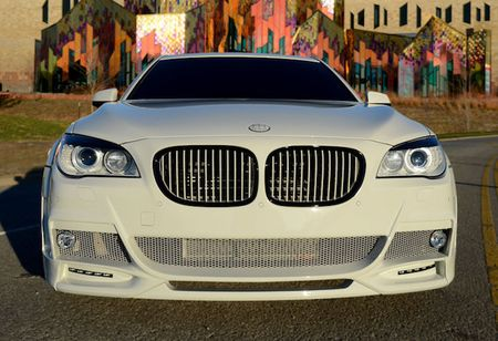 BMW 750Li do 'trang tinh khoi' cuc doc gia 1,24 ty - Anh 6