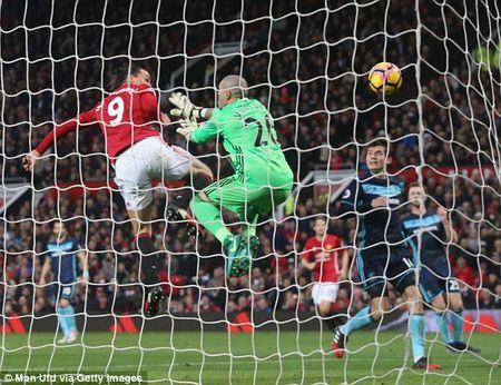 Pogba toa sang phut cuoi, Man Utd nguoc dong nghet tho ha Middlesbrough - Anh 1
