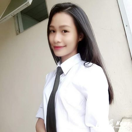 Hot girl DH Ky thuat Hau can CAND xinh dep, me ca hat - Anh 3