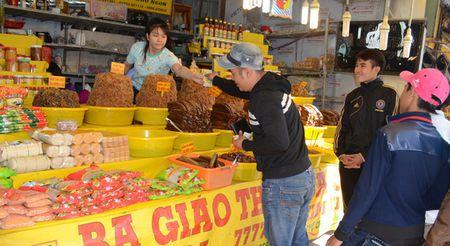 Len Nui Sam xem vong deo co Ba Chua Xu nang 6 kg vang - Anh 13