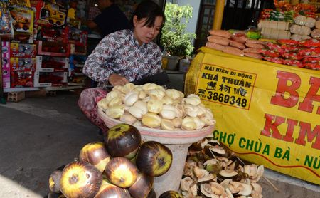 Len Nui Sam xem vong deo co Ba Chua Xu nang 6 kg vang - Anh 14