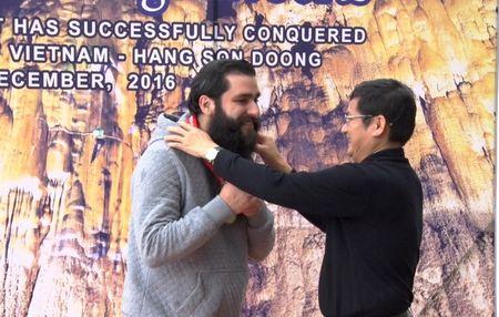 Dao dien phim 'Kong: Skull Island' tro lai Quang Binh chinh phuc Son Doong - Anh 1