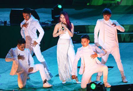 Khong phao hoa, Ha Noi van sang ruc trong le hoi Countdown - Anh 13