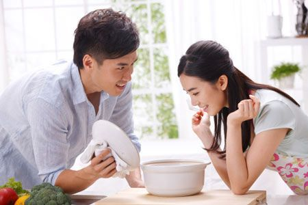 5 thoi quen ma cac cap doi hanh phuc thuong lam - Anh 2