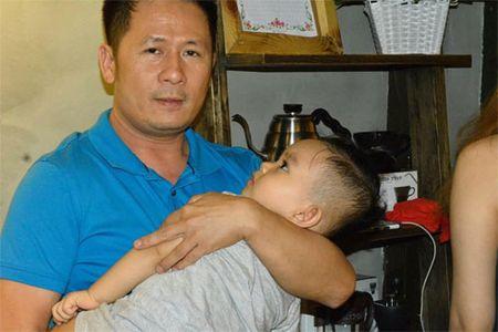 Khanh Thi muon con trai hoc hat Bang Kieu - Anh 1