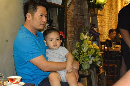 Khanh Thi muon con trai hoc hat Bang Kieu - Anh 2