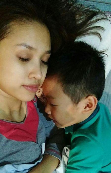 Khanh Thi muon con trai hoc hat Bang Kieu - Anh 7
